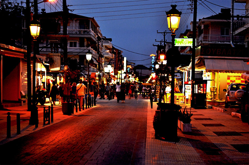parakija-ulice-nocu