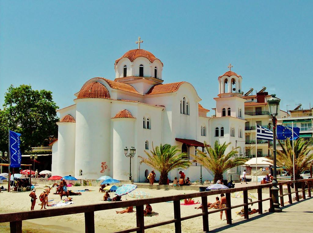 paralija-crkva-na-plazi
