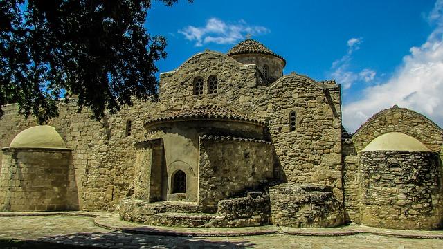manastiri-na-kipru-putno-osiguranje