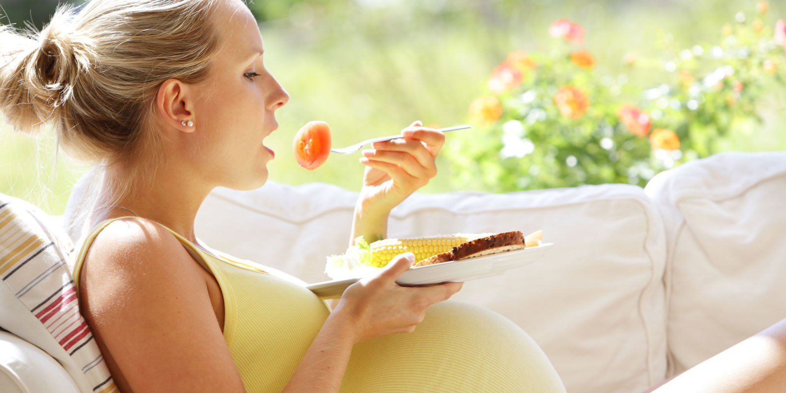 putnicko-osiguranje-za-trudnu-zenu