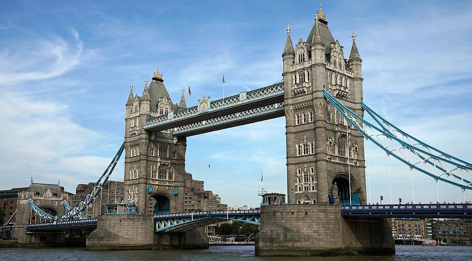 most na temzi london